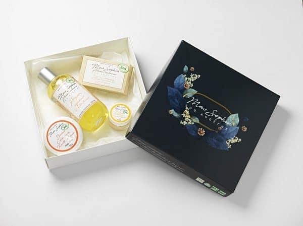 Coffret BIO avec savon dur à l'amande douce, savon liquide et baume au beurre de karité